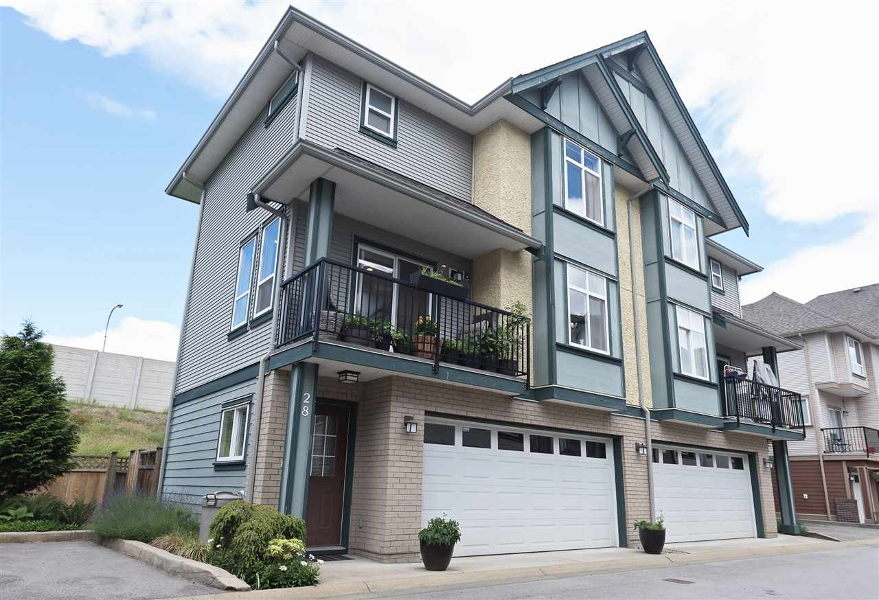 "Main Photo: 28 1211 EWEN Avenue in New Westminster: Queensborough Townhouse for sale in ""Alexander Walk"" : MLS® # R2197297"