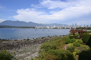 Main Photo: 2595 POINT GREY Road in Vancouver: Kitsilano Townhouse for sale (Vancouver West)  : MLS® # R2203619