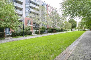 "Main Photo: 106 2228 MARSTRAND Avenue in Vancouver: Kitsilano Condo for sale in ""The SOLO"" (Vancouver West)  : MLS® # R2210099"