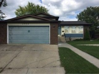 Main Photo: 2904 150 Avenue NW in Edmonton: Zone 35 House for sale : MLS® # E4084753