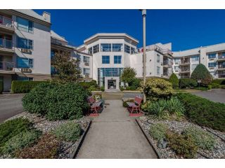 "Main Photo: 406 2626 COUNTESS Street in Abbotsford: Abbotsford West Condo for sale in ""The Wedgewood"" : MLS® # R2221991"