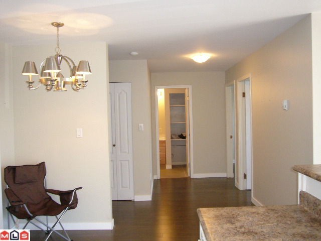 Photo 6: 102 14881 MARINE Drive: White Rock Condo for sale (South Surrey White Rock)  : MLS® # F1221954