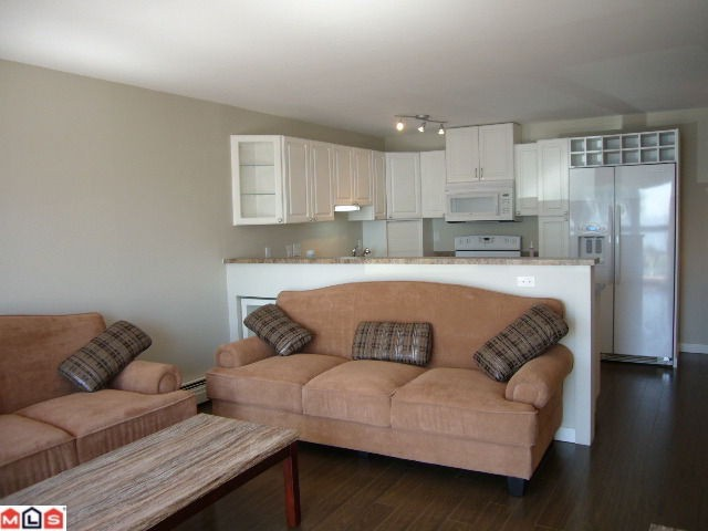 Photo 4: 102 14881 MARINE Drive: White Rock Condo for sale (South Surrey White Rock)  : MLS® # F1221954