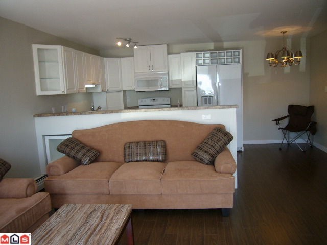 Photo 5: 102 14881 MARINE Drive: White Rock Condo for sale (South Surrey White Rock)  : MLS® # F1221954