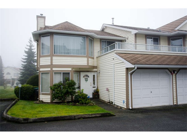 "Main Photo: 49 9279 122ND Street in Surrey: Queen Mary Park Surrey Townhouse for sale in ""Kensington Gate"" : MLS® # F1400768"