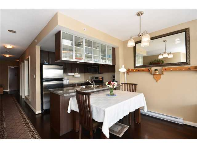 "Photo 3: 1901 892 CARNARVON Street in New Westminster: Downtown NW Condo for sale in ""Azure 2"" : MLS(r) # V1044252"