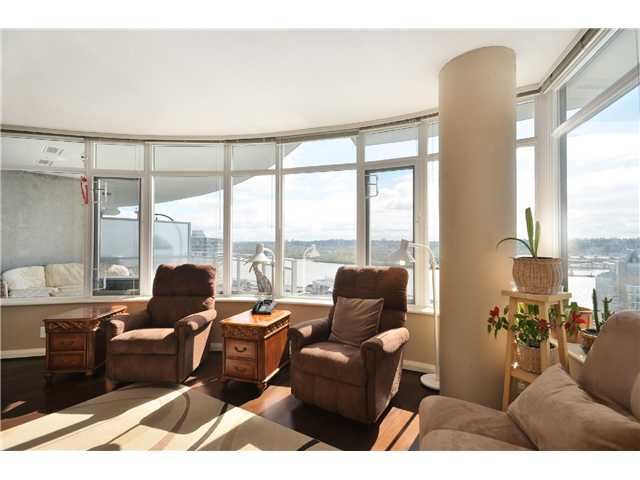"Photo 4: 1901 892 CARNARVON Street in New Westminster: Downtown NW Condo for sale in ""Azure 2"" : MLS(r) # V1044252"