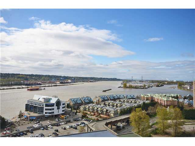 "Main Photo: 1901 892 CARNARVON Street in New Westminster: Downtown NW Condo for sale in ""Azure 2"" : MLS(r) # V1044252"