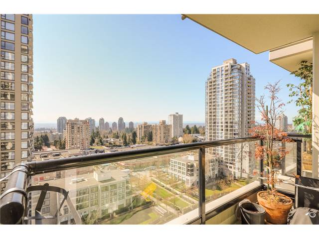 Main Photo: 1601 7178 COLLIER Street in Burnaby: Highgate Condo for sale (Burnaby South)  : MLS® # V1056325