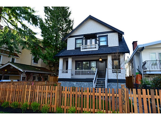 "Main Photo: 3412 W 3RD Avenue in Vancouver: Kitsilano House 1/2 Duplex for sale in ""North of 4th"" (Vancouver West)  : MLS(r) # V1067301"