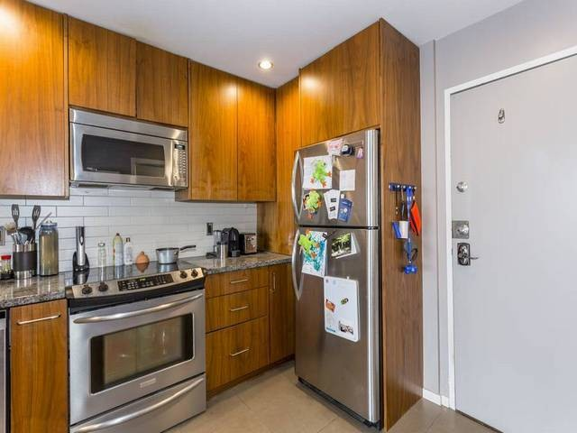"Main Photo: 310 1855 NELSON Street in Vancouver: West End VW Condo for sale in ""Westpark"" (Vancouver West)  : MLS® # V1123735"