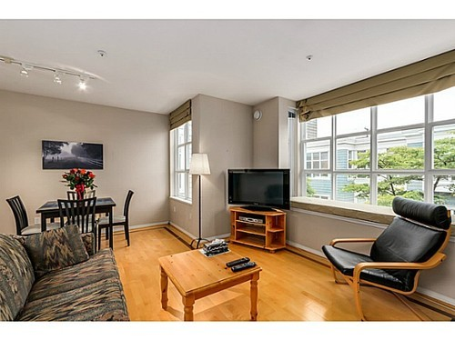 Photo 5: 204 675 7TH Ave W in Vancouver West: Fairview VW Home for sale ()  : MLS® # V1087690