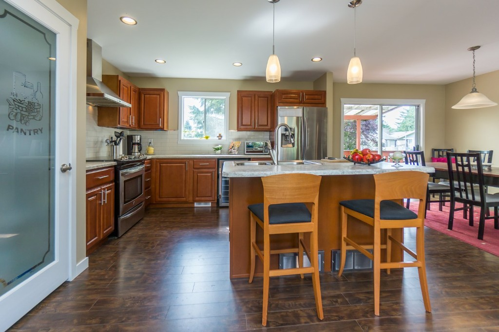 "Photo 8: 2431 ALADDIN Crescent in Abbotsford: Abbotsford East House for sale in ""McMILLAN"" : MLS® # R2001283"