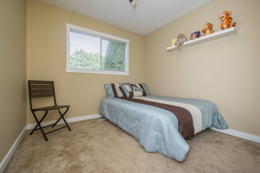 "Photo 19: 2431 ALADDIN Crescent in Abbotsford: Abbotsford East House for sale in ""McMILLAN"" : MLS® # R2001283"