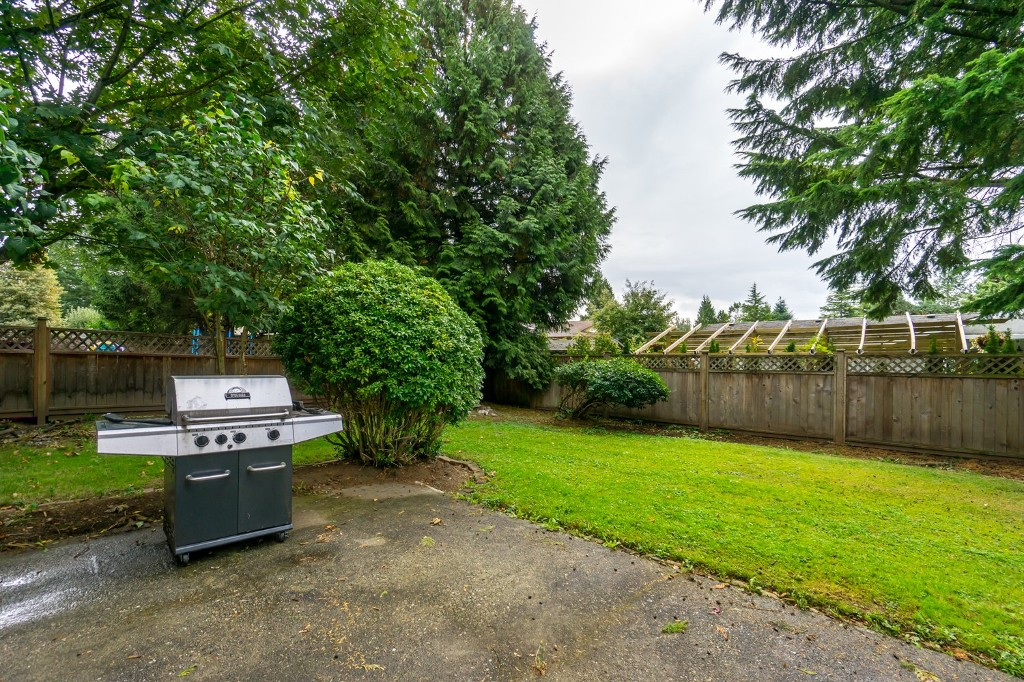 "Photo 31: 2431 ALADDIN Crescent in Abbotsford: Abbotsford East House for sale in ""McMILLAN"" : MLS® # R2001283"