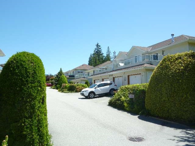 "Photo 10: Photos: 20 5610 TRAIL Avenue in Sechelt: Sechelt District Condo for sale in ""HIGHPOINT"" (Sunshine Coast)  : MLS®# R2077237"