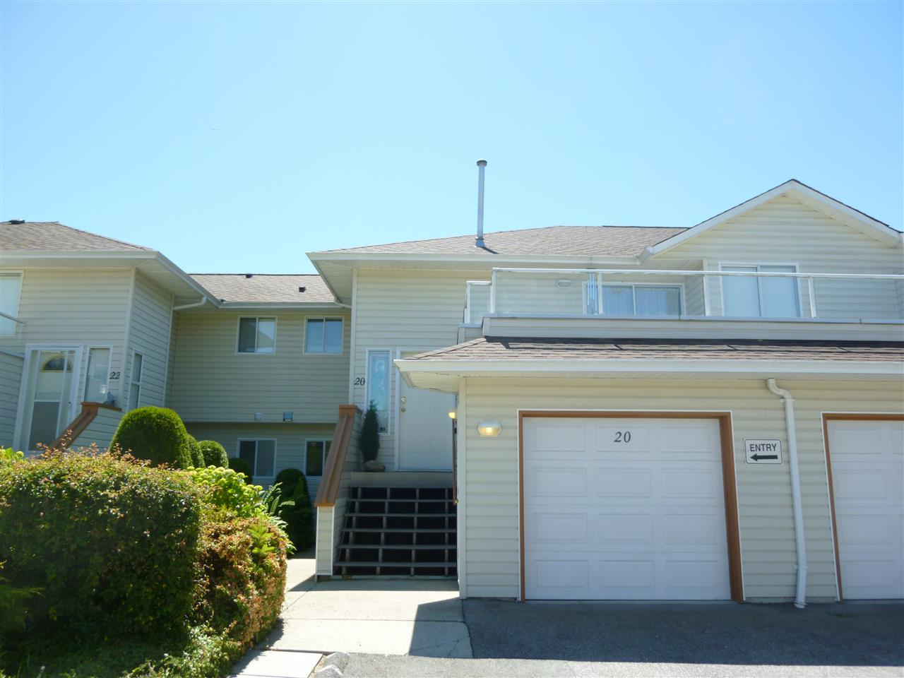 "Main Photo:  in Sechelt: Sechelt District Condo for sale in ""HIGHPOINT"" (Sunshine Coast)  : MLS(r) # R2077237"