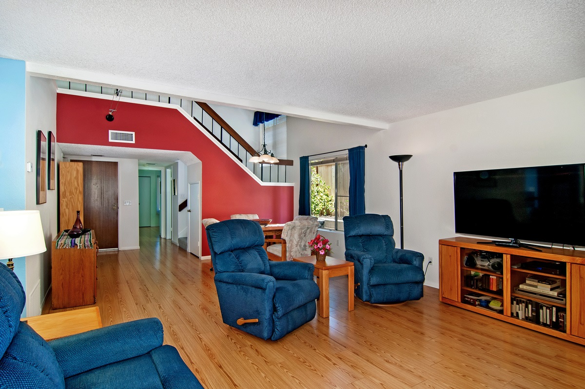 Photo 7: CITY HEIGHTS Townhome for sale : 3 bedrooms : 1527 BRIDGEVIEW DRIVE in San Diego