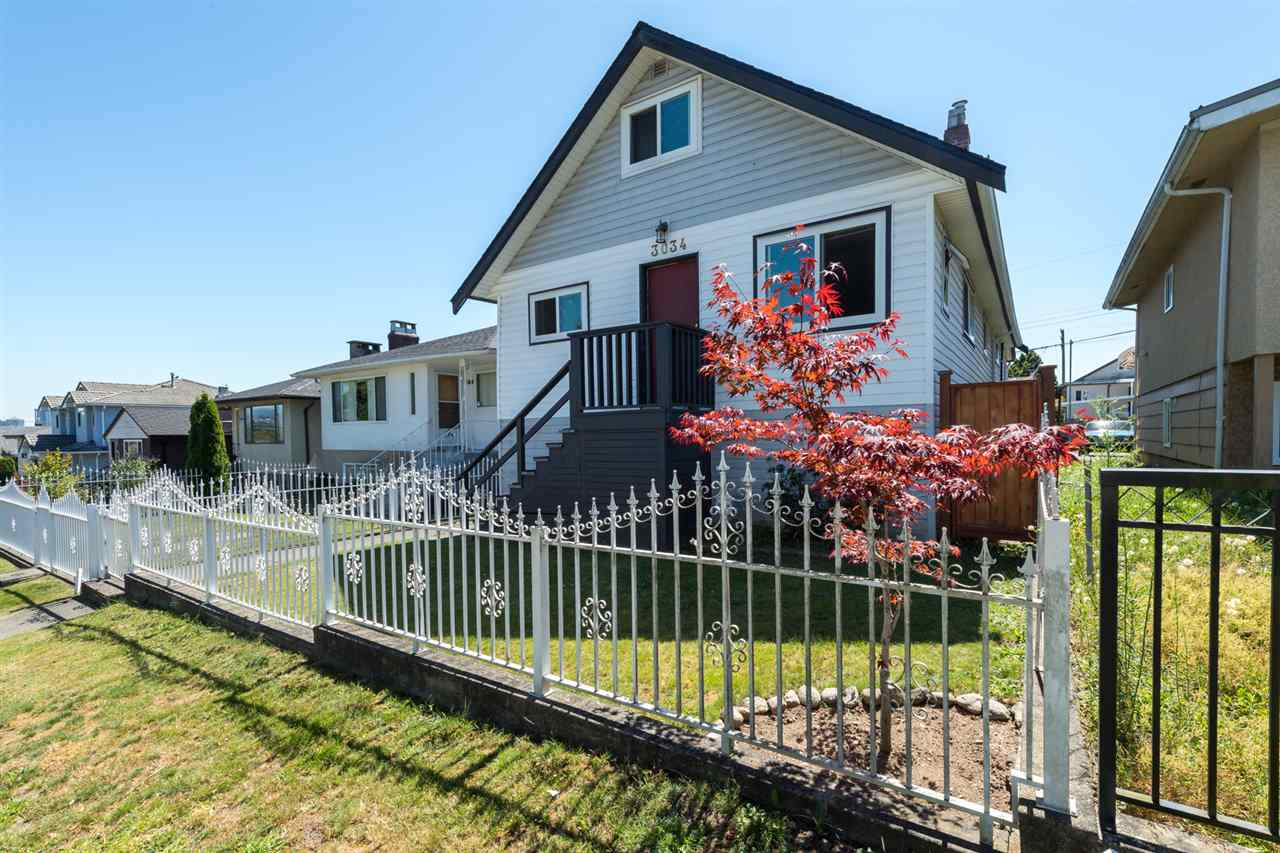 "Photo 2: 3034 GRAVELEY Street in Vancouver: Renfrew VE House for sale in ""RENFREW"" (Vancouver East)  : MLS® # R2096636"
