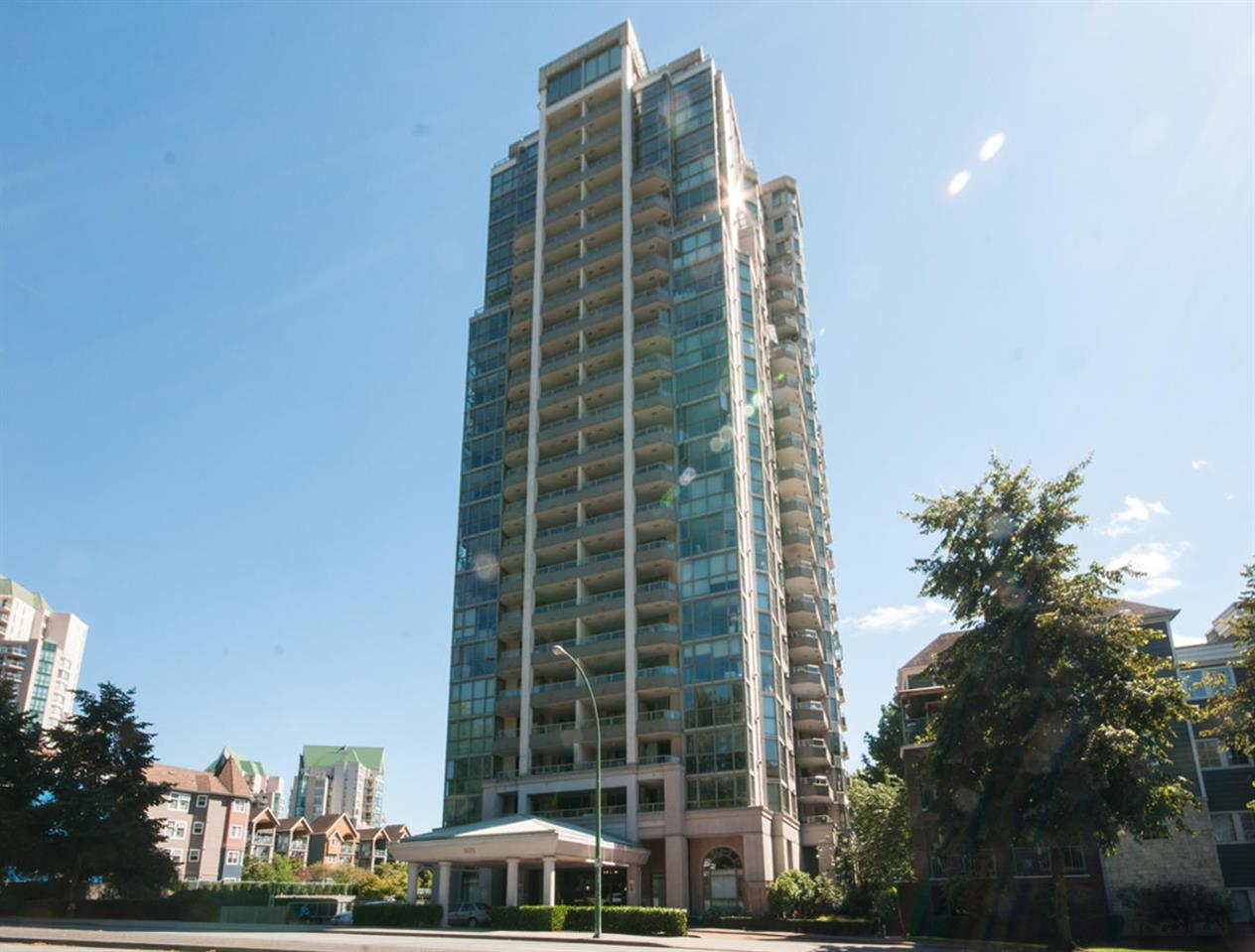 "Main Photo: 1506 3070 GUILDFORD Way in Coquitlam: North Coquitlam Condo for sale in ""LAKESIDE TERRACE"" : MLS(r) # R2097115"