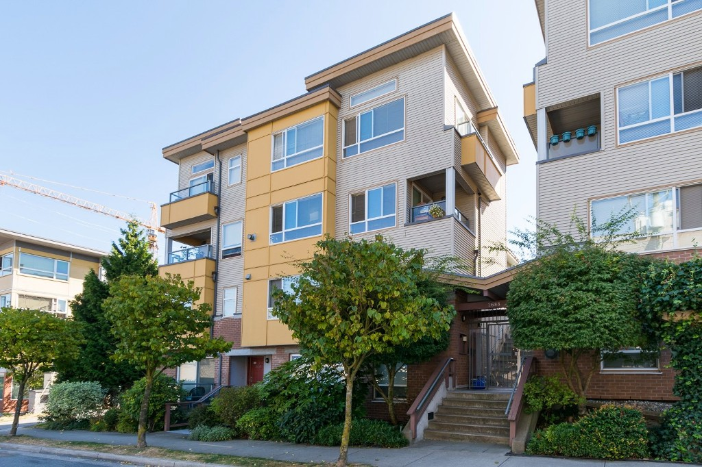 "Main Photo: 310 2688 WATSON Street in Vancouver: Mount Pleasant VE Townhouse for sale in ""Tala Vera"" (Vancouver East)  : MLS® # R2100071"