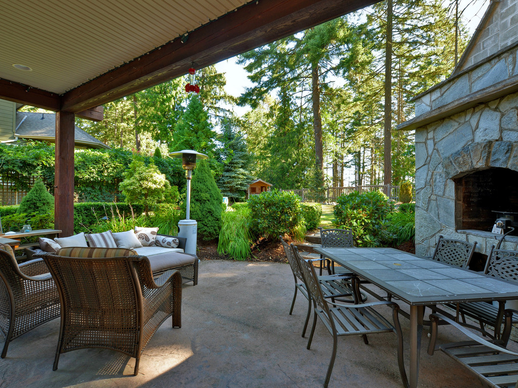 Photo 19: 1054 River Road in VICTORIA: Hi Bear Mountain Single Family Detached for sale (Highlands)  : MLS(r) # 369201