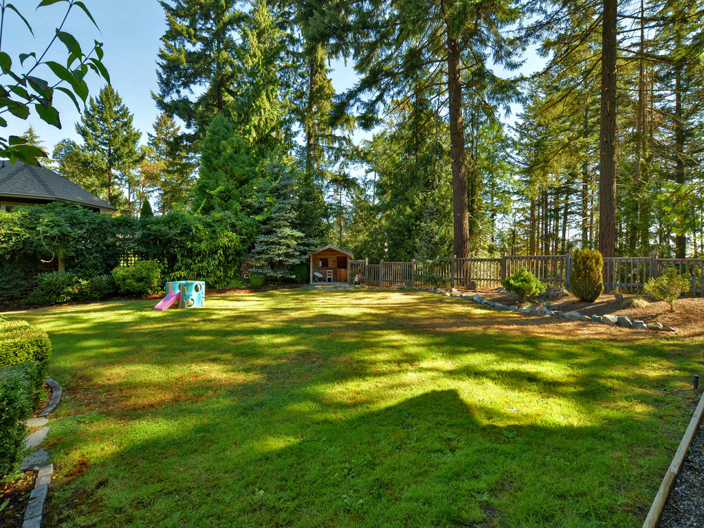 Photo 20: 1054 River Road in VICTORIA: Hi Bear Mountain Single Family Detached for sale (Highlands)  : MLS(r) # 369201