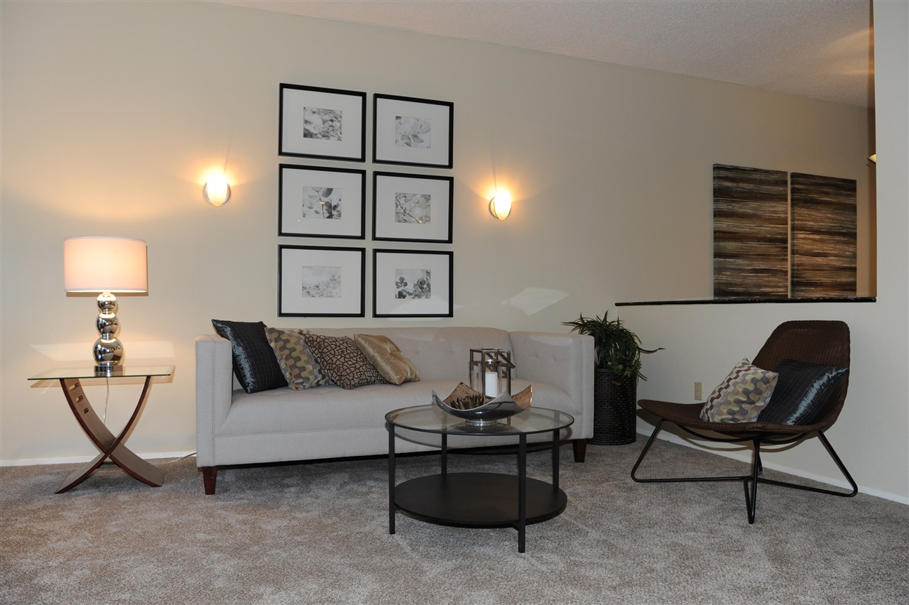 Photo 4: HILLCREST Condo for sale : 2 bedrooms : 3666 3rd Ave #104 in San Diego