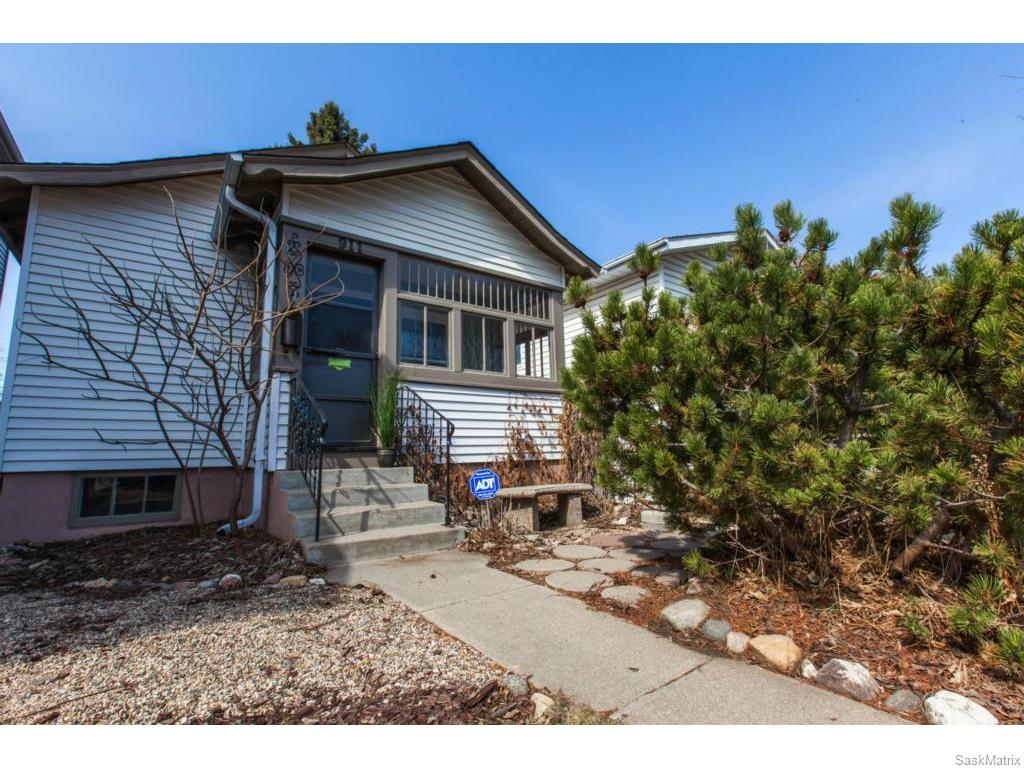 FEATURED LISTING: 911 F Avenue North Saskatoon