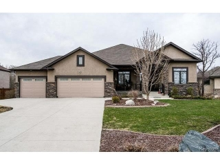 Main Photo: 39 Four Oaks Cove in Winnipeg: The Oaks Residential for sale (5W)  : MLS® # 1710036