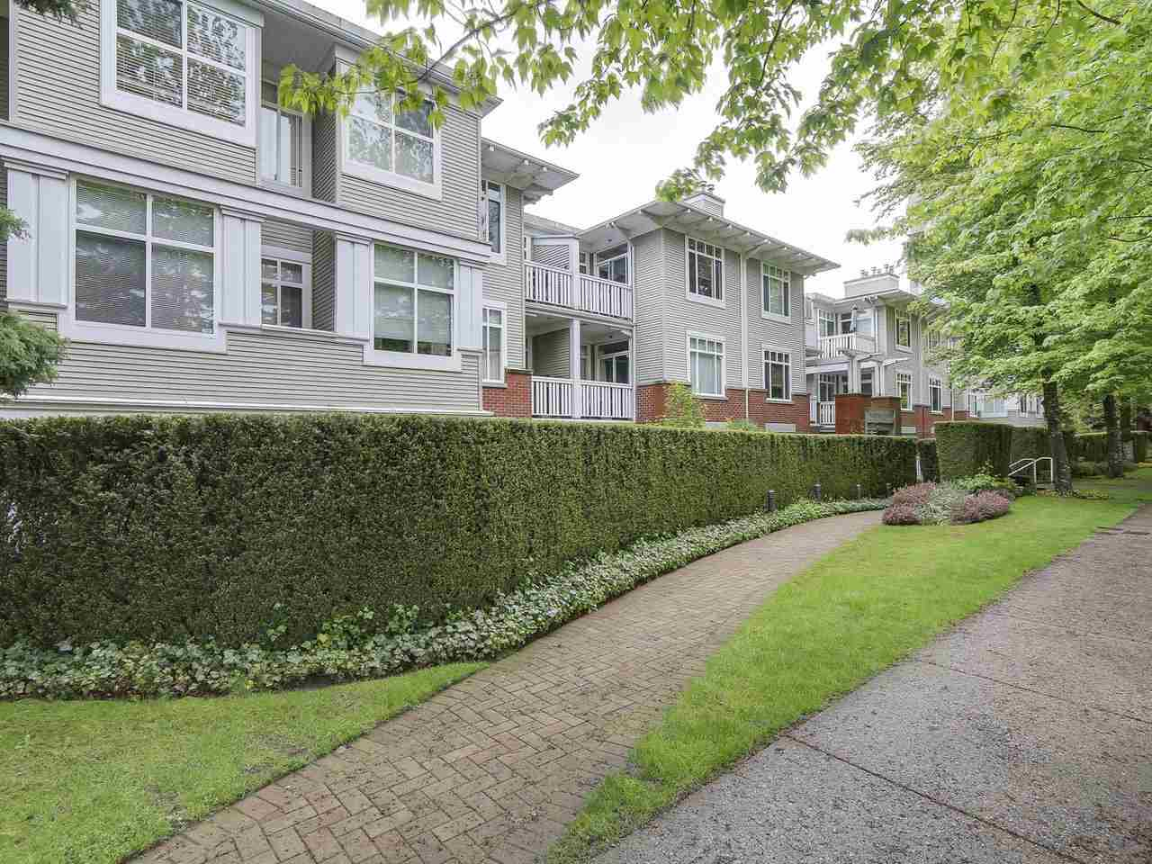 "Main Photo: 207 1675 W 10TH Avenue in Vancouver: Fairview VW Condo for sale in ""NORFOLK HOUSE"" (Vancouver West)  : MLS®# R2169058"