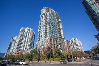 "Main Photo: 801 1088 QUEBEC Street in Vancouver: Mount Pleasant VE Condo for sale in ""The Viceroy"" (Vancouver East)  : MLS® # R2206969"