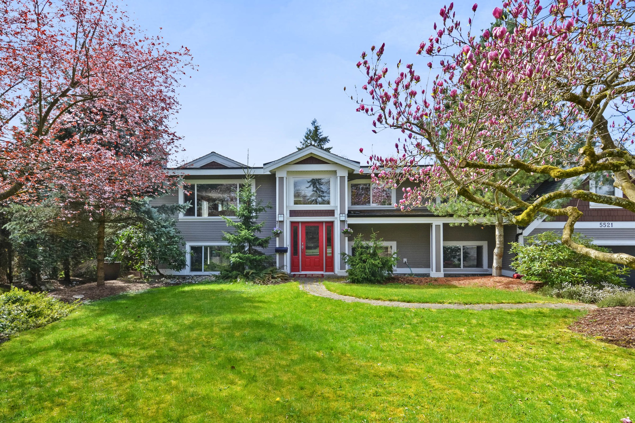 Main Photo: 5521 BAKERVIEW Drive in Surrey: Sullivan Station House for sale : MLS®# R2257162
