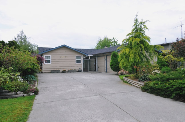 "Main Photo: 20875 125TH Avenue in Maple Ridge: Northwest Maple Ridge House for sale in ""CHILCOTIN"" : MLS® # V890482"