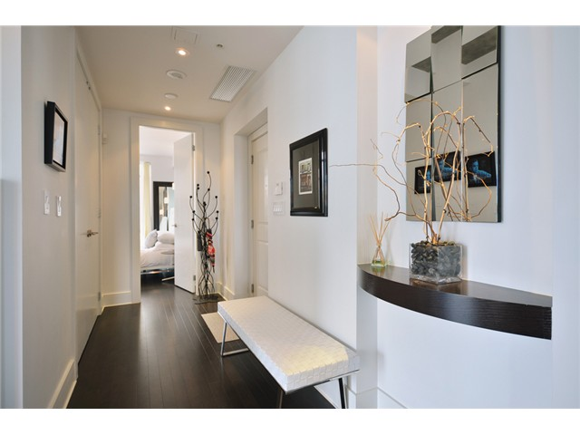 Photo 3: # 1802 1280 RICHARDS ST in Vancouver: Yaletown Condo for sale (Vancouver West)  : MLS® # V1014823
