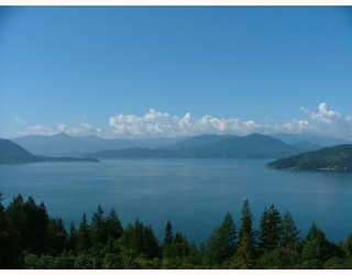 Main Photo: 8679 SEASCAPE DR in : Howe Sound Townhouse for sale : MLS® # V685674