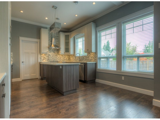 Photo 4: 17383 1ST AV in Surrey: Pacific Douglas House for sale (South Surrey White Rock)  : MLS(r) # F1324725
