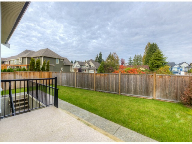 Photo 26: 17383 1ST AV in Surrey: Pacific Douglas House for sale (South Surrey White Rock)  : MLS(r) # F1324725