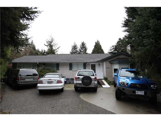 Main Photo: 945 GILROY Crescent in Coquitlam: Coquitlam West House for sale : MLS® # V1112111