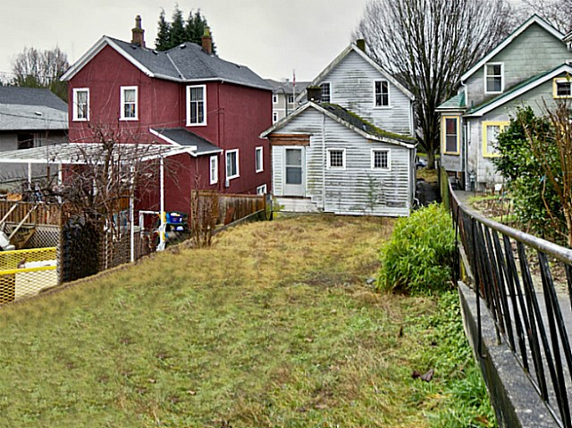 Photo 3: 737 PRIOR Street in Vancouver: Mount Pleasant VE House for sale (Vancouver East)  : MLS(r) # V1138587
