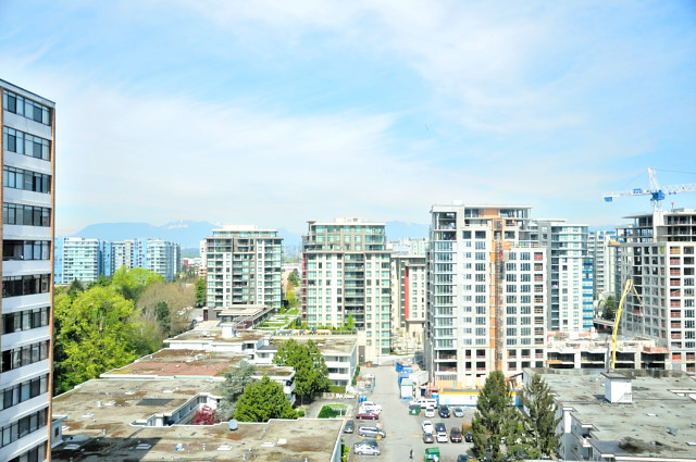 "Photo 14: 1305 6631 MINORU Boulevard in Richmond: Brighouse Condo for sale in ""PARK TOWERS"" : MLS(r) # R2054665"