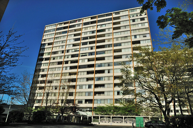 "Photo 2: 1305 6631 MINORU Boulevard in Richmond: Brighouse Condo for sale in ""PARK TOWERS"" : MLS(r) # R2054665"