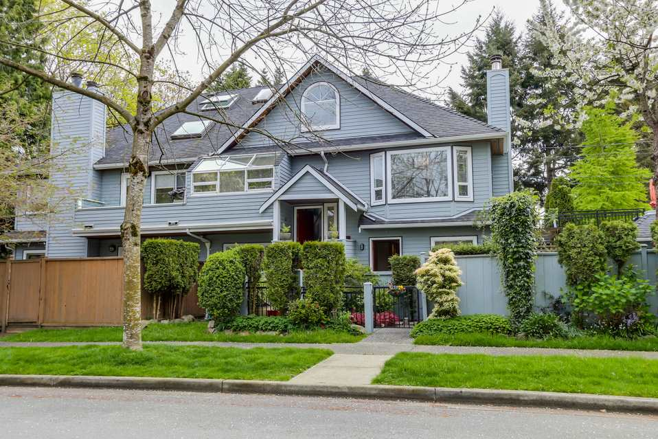 Main Photo: 2902 YEW Street in Vancouver: Kitsilano House 1/2 Duplex for sale (Vancouver West)  : MLS® # R2058688