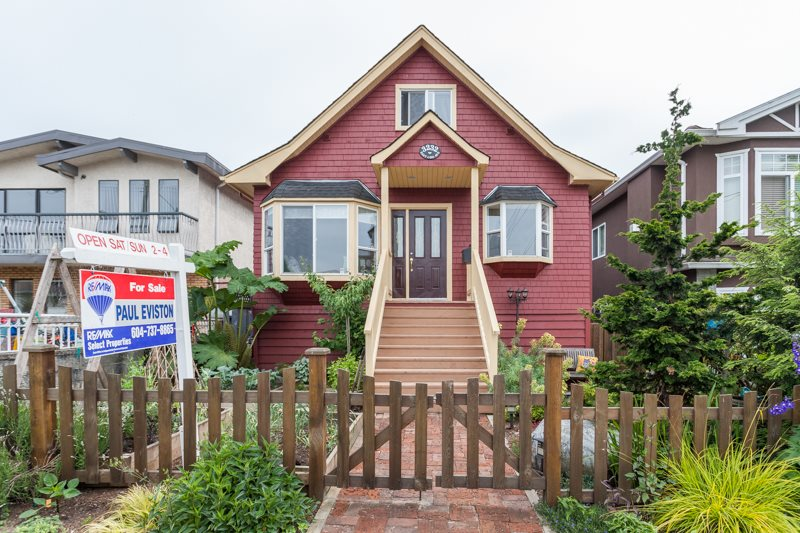Main Photo: 3232 E 43RD Avenue in Vancouver: Killarney VE House for sale (Vancouver East)  : MLS® # R2074426
