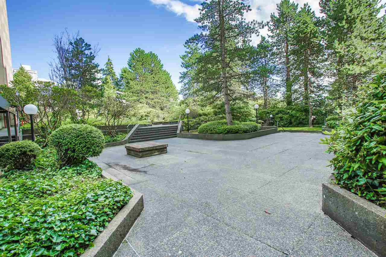 "Photo 16: 2002 9541 ERICKSON Drive in Burnaby: Sullivan Heights Condo for sale in ""ERICKSON TOWER"" (Burnaby North)  : MLS® # R2092488"