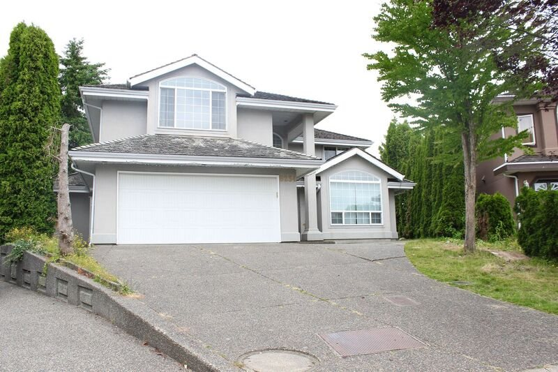 Main Photo: 8234 151A Street in Surrey: Bear Creek Green Timbers House for sale : MLS® # R2129977