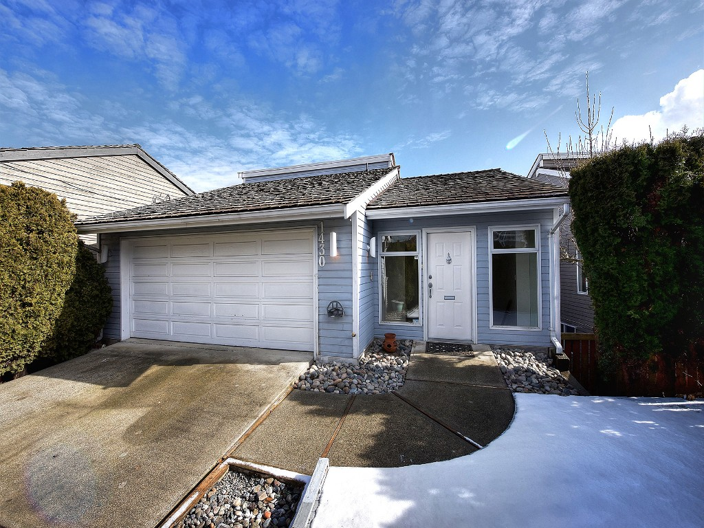 Main Photo: 1430 VIEW Crescent in Delta: Beach Grove House for sale (Tsawwassen)  : MLS® # R2142357