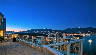 "Main Photo: PH1 1188 W PENDER Street in Vancouver: Coal Harbour Condo for sale in ""The Sapphire"" (Vancouver West)  : MLS(r) # R2142492"