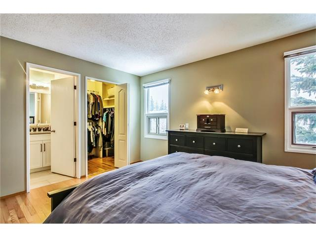 Photo 31: 211 STRATHEARN Crescent SW in Calgary: Strathcona Park House for sale : MLS(r) # C4104342
