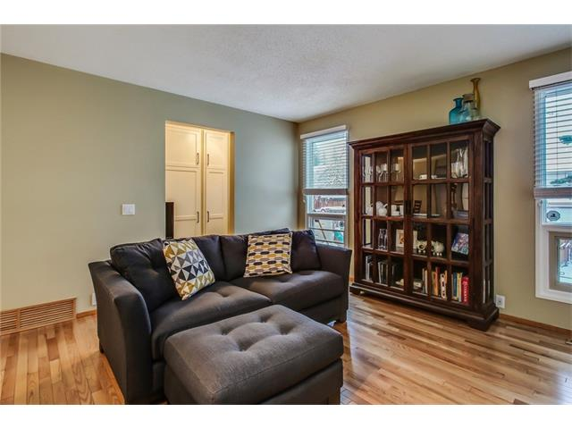 Photo 21: 211 STRATHEARN Crescent SW in Calgary: Strathcona Park House for sale : MLS(r) # C4104342